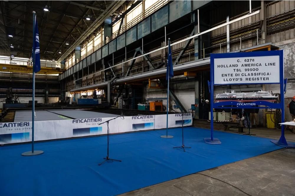 Holland celebra el corte de acero del barco Pinnacle Class
