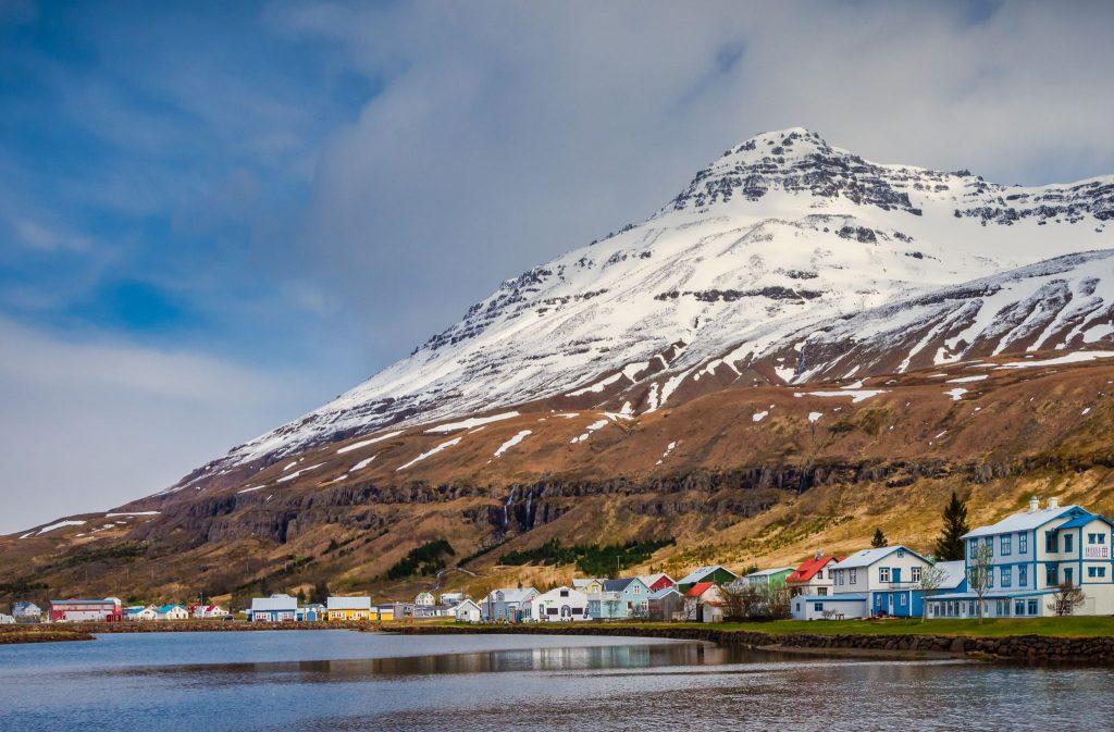 Seydisfjörður Islandi crucero Ponant