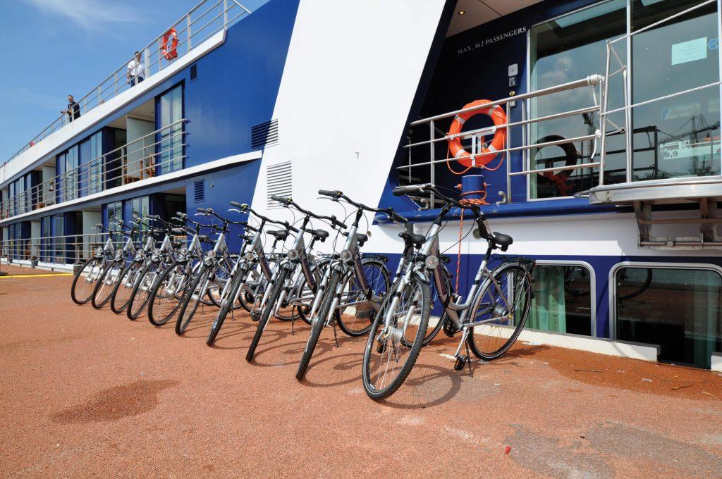 Bicicletas disponibles en cada escala para el uso y disfrute de los huéspedes del AmaBella.