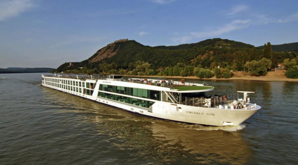 Cruceros Fluviales en español con Un Mundo de Cruceros y Emerald Spanic